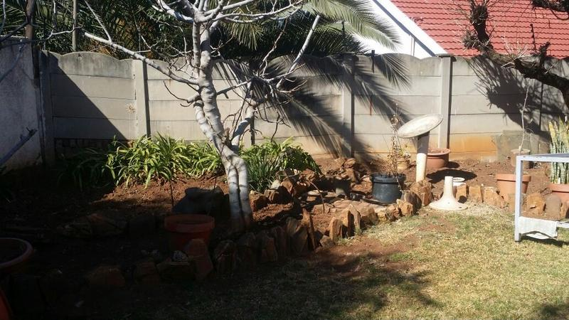 Property For Sale in Cyrildene, Johannesburg 21