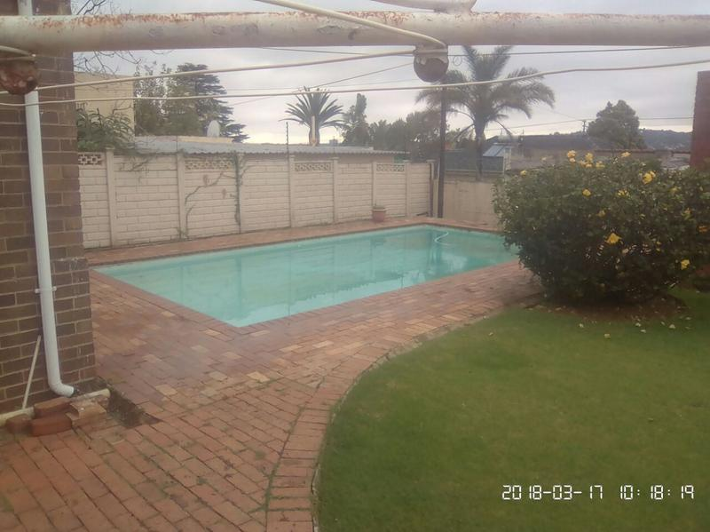 Property For Sale in Cyrildene, Johannesburg 15