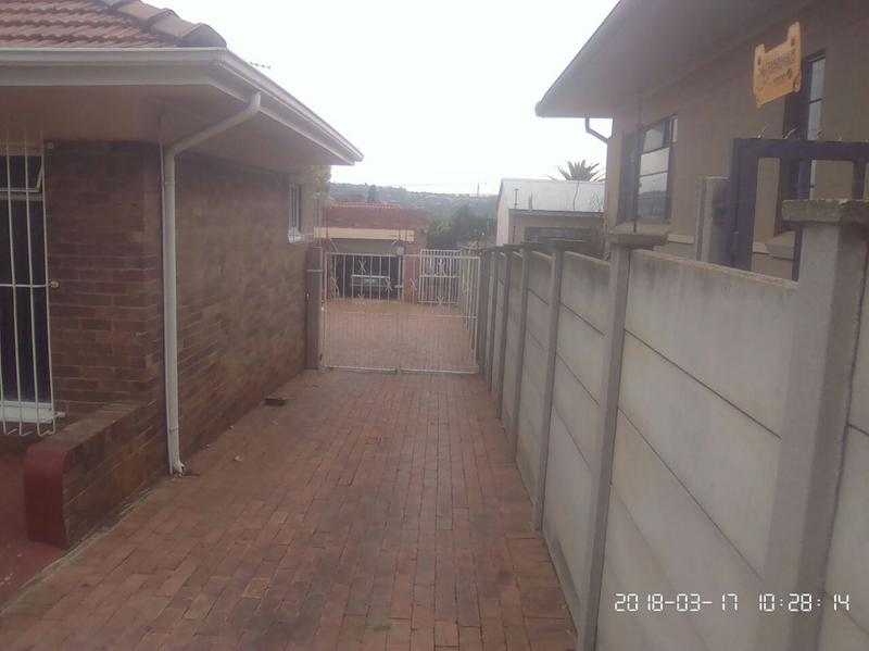 Property For Sale in Cyrildene, Johannesburg 13