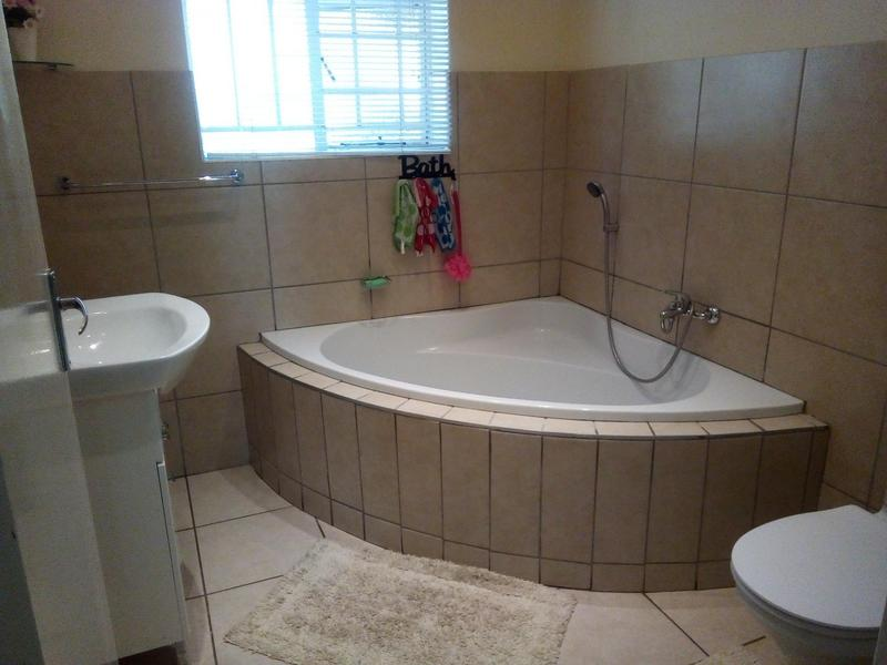 Property For Sale in Symhurst, Germiston 19