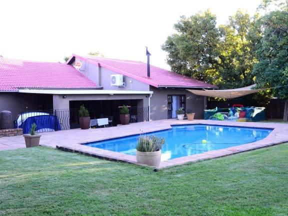 Property For Sale in Vorna Valley, Midrand 1