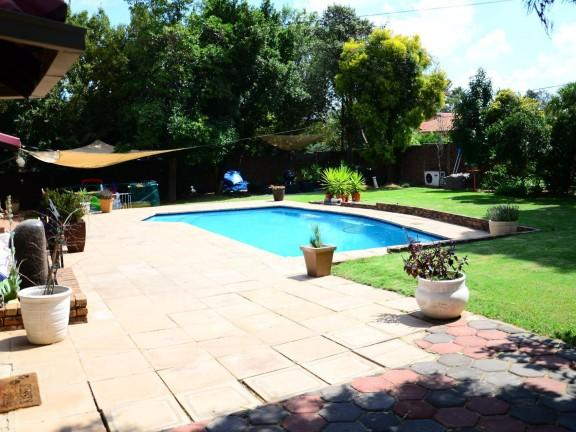 Property For Sale in Vorna Valley, Midrand 23