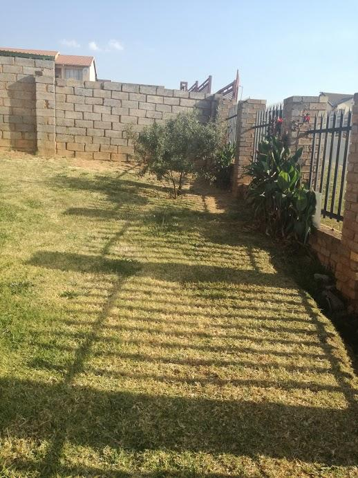Property For Sale in Zakariyya Park, Johannesburg 6