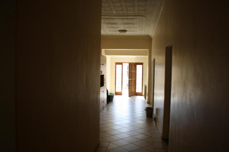 Property For Sale in Malvern, Johannesburg 6