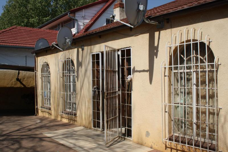 Property For Sale in Malvern, Johannesburg 11