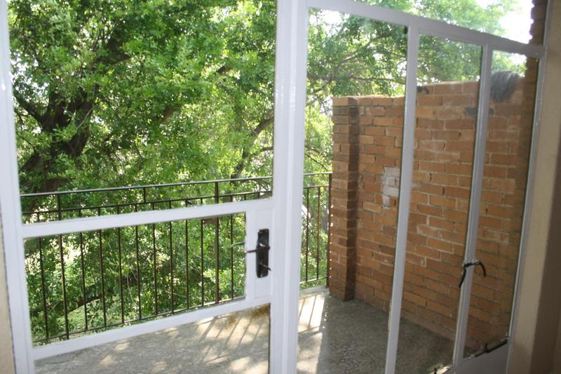 Property For Sale in Haddon, Johannesburg 10