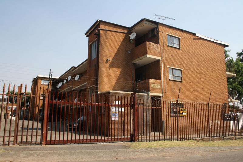 Property For Sale in Haddon, Johannesburg 1