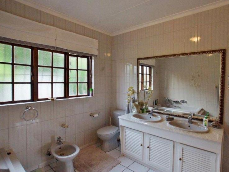 Property For Sale in Morninghill, Bedfordview 14