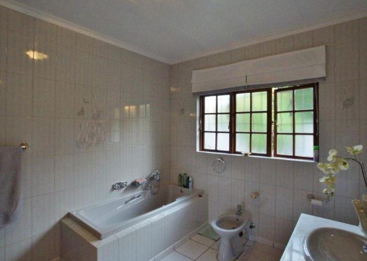 Property For Sale in Morninghill, Bedfordview 15