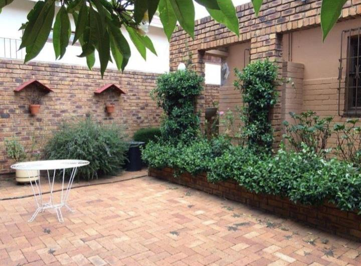 Property For Sale in Kensington, Johannesburg 19