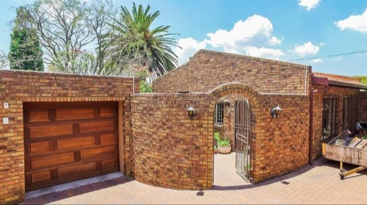 Property For Sale in Kensington, Johannesburg 2