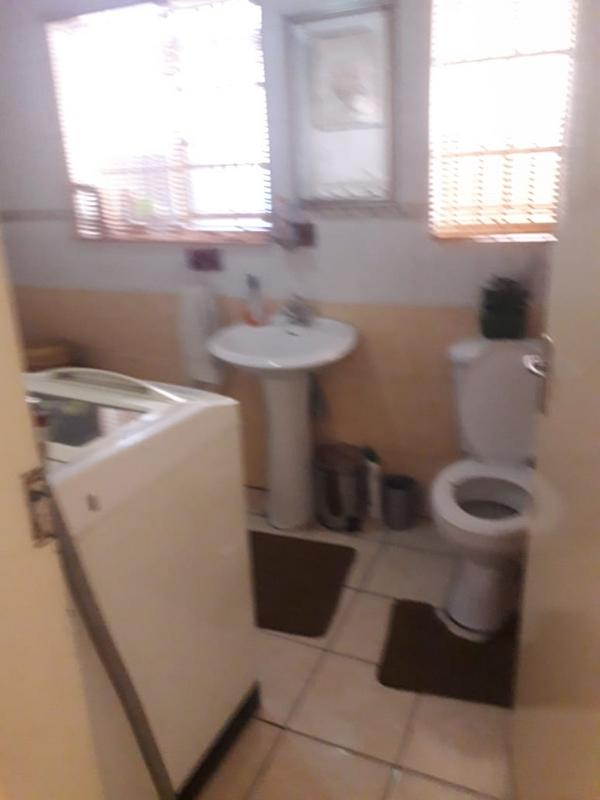 Property For Sale in Lenasia Ext 2, Johannesburg 6