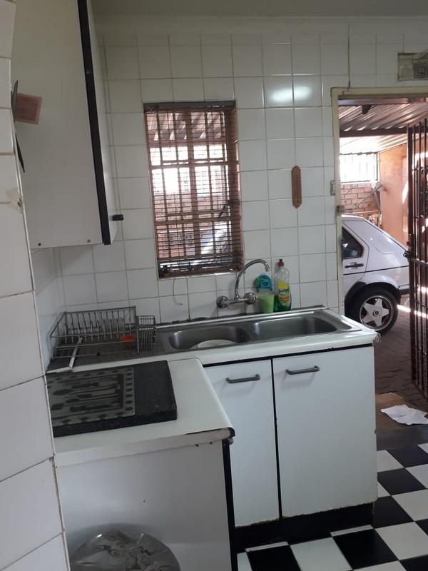 Property For Sale in Lenasia Ext 2, Johannesburg 2