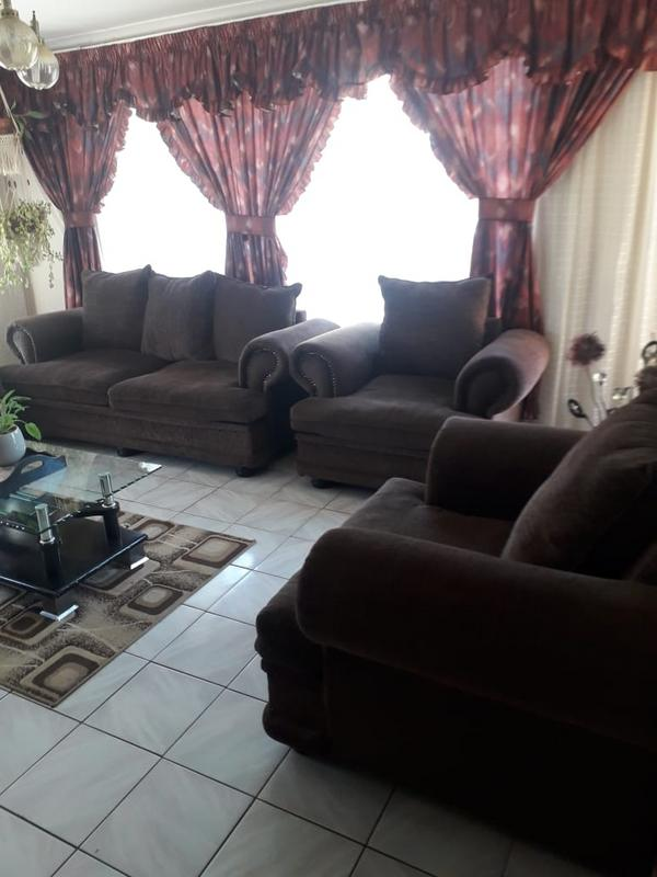 Property For Sale in Lenasia Ext 2, Johannesburg 3