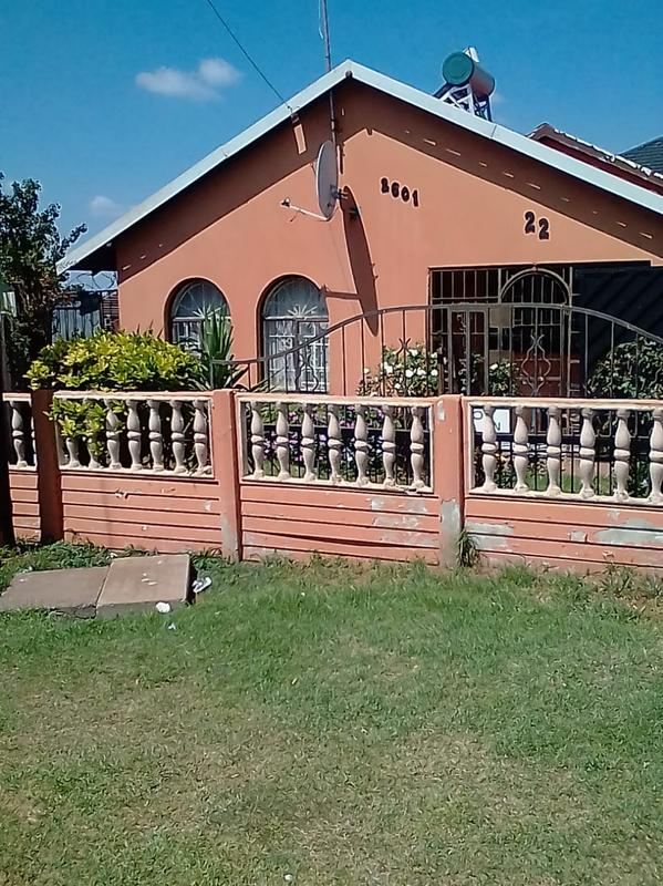 Property For Sale in Lenasia Ext 2, Johannesburg 1