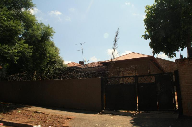 Property For Sale in Yeoville, Johannesburg 4