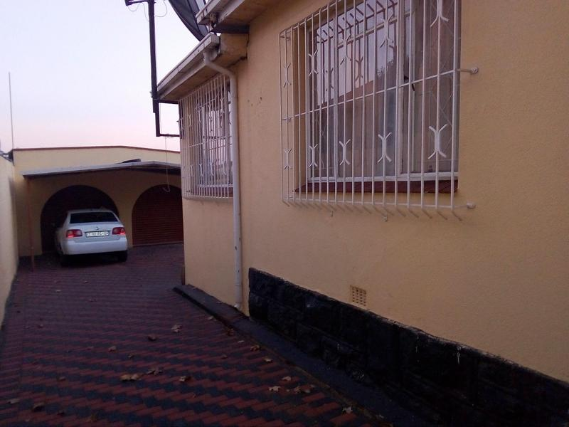 Property For Sale in Malvern, Johannesburg 1