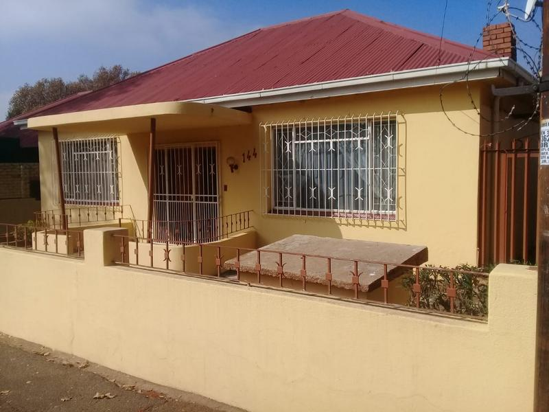 Property For Sale in Malvern, Johannesburg 4