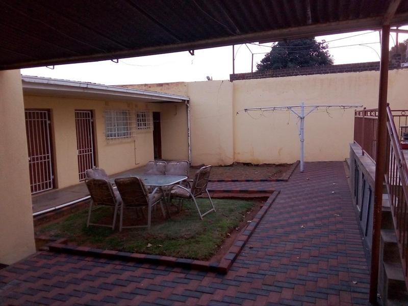 Property For Sale in Malvern, Johannesburg 18