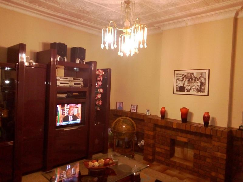 Property For Sale in Malvern, Johannesburg 19
