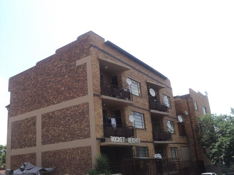 Property For Sale in Troyeville, Johannesburg 13