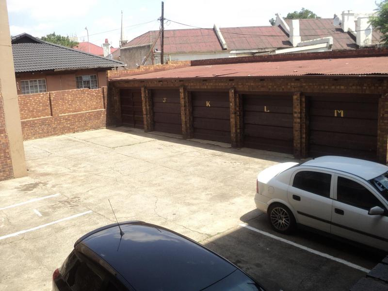 Property For Sale in Troyeville, Johannesburg 11