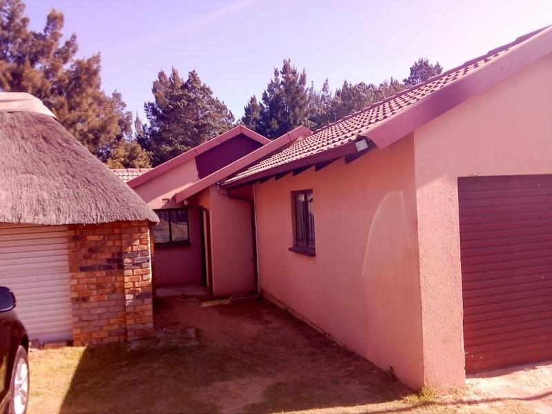 Property For Sale in Birch Acres, Kempton Park 11