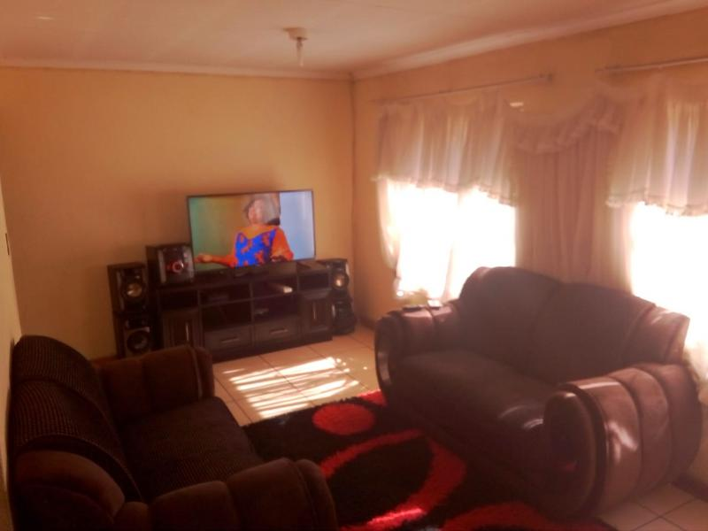 Property For Sale in Birch Acres, Kempton Park 4