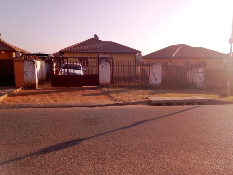 Property For Sale in Birch Acres, Kempton Park 9