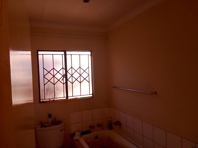 Property For Sale in Birch Acres, Kempton Park 7