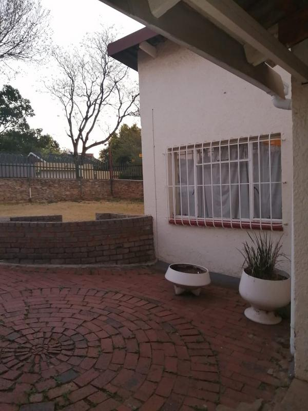 Property For Sale in Illiondale, Edenvale 16