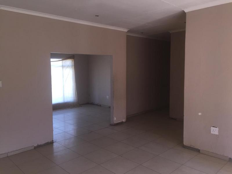 Property For Sale in Bedworth Park, Vereeniging 2