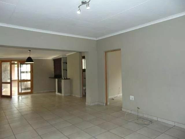 Property For Sale in Tembisa, Tembisa 10