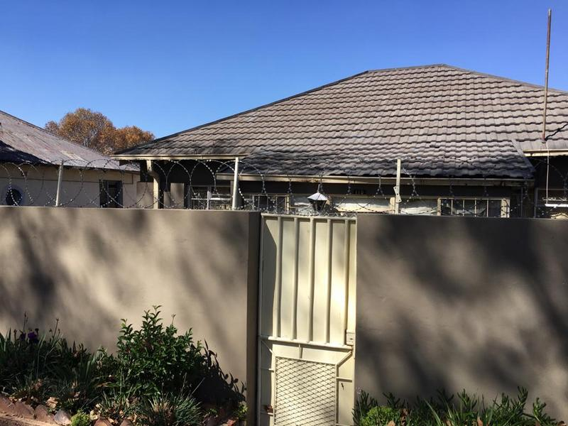Property For Sale in Bezuidenhout Valley, Johannesburg 9