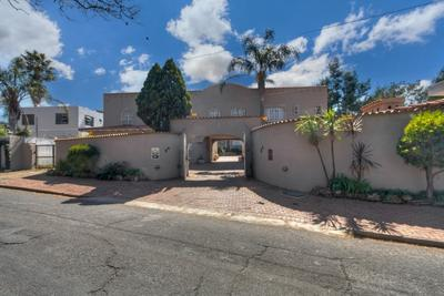 House For Sale in Observatory, Johannesburg